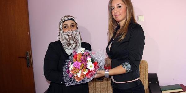 Adana'da 500 Suça Karişan Gence 500 'yaşam Koçu' Polis