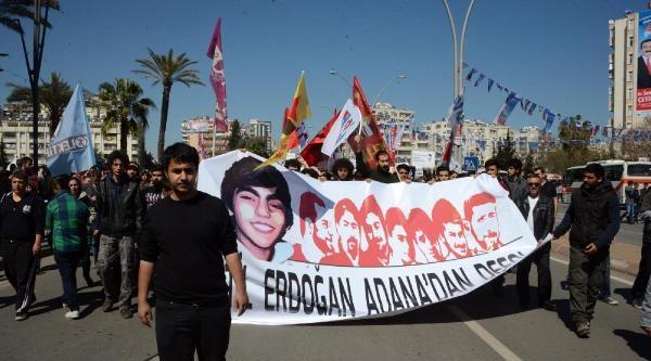 Adana'da Başbakan Erdoğan'ı Protesto Eden Gruba Müdahale