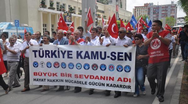 Adana'da Bayrak Eylemi