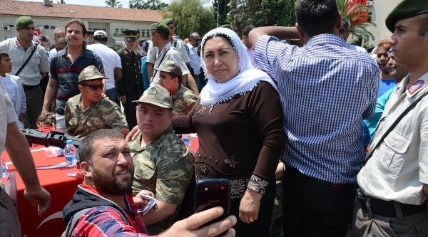 Adana'da Engelliler 1 Günlük Temsili Askerlik Yaptı