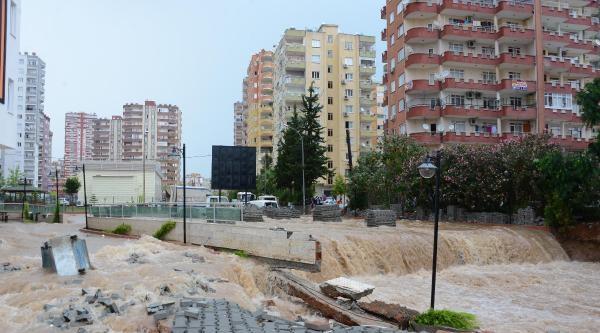 Adana'da Etkili Sağanak Yağış Yasamı Felç Etti - Ek Fotoğraf