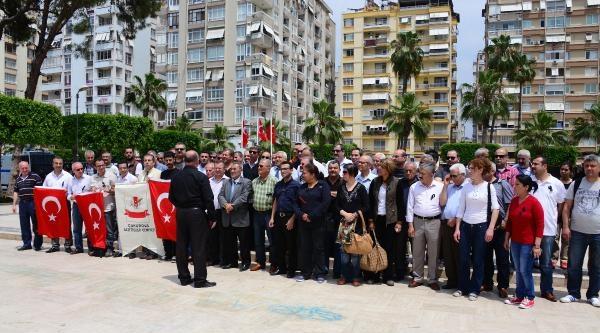 Adana'da Gazeteciler Soma'da Ölenleri Andı