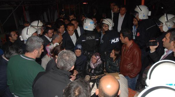 Adana'da  Gerilim Yaşanan Seçim Kuruluna Vali De Gitti