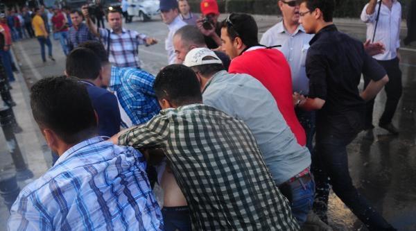 Adana'da Gezi Eylemine Müdahale (3)