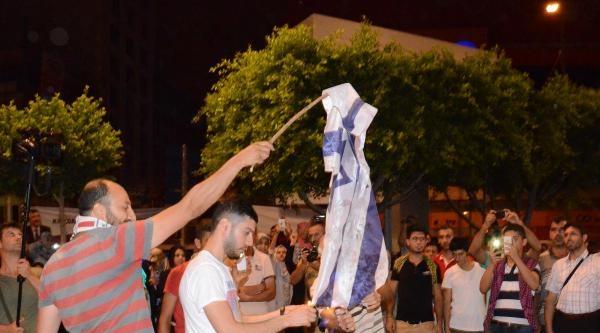 Adana'da İsrail Bayrağı'nı Yaktılar