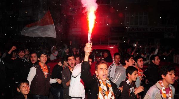 Adana'da Maç Sonrası Olay (2)