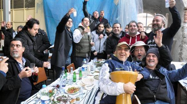 Adana'da, Şafak Vakti 'dünya Raki Günü' Kutlamasi