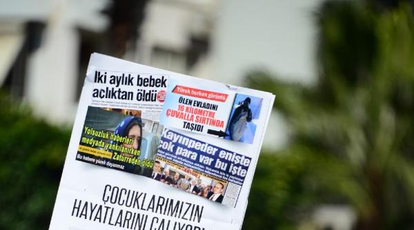 Adana'da Sağlık Çalişanlari Yürüdü