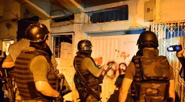 Adana'da 'torbacılara Karşı' 1500 Polisle Şafak Operasyonu