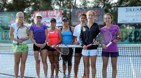 Adana'da Uluslararası Tenis Heyecanı