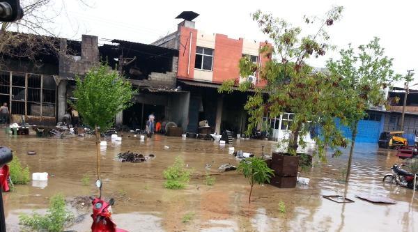 Adana'da Yağmur Sel Oldu (4)