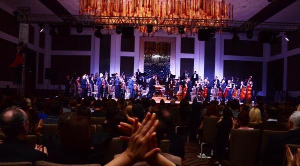 Adana'dan Tango Orkestrası Geçti