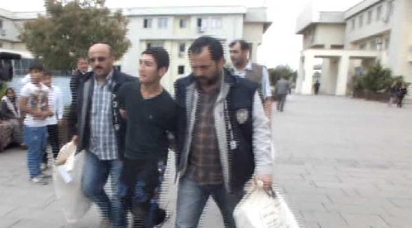 Adapazarı'nda 19 Dakikada 2 Akaryakıt İstasyonunu Soyanlar Yakalandı