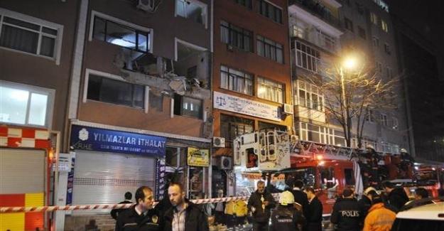 Adımlar Dergisi'ne Bombalı Saldırı: 1 Kişi Hayatını Kaybetti