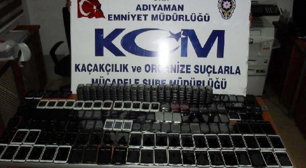 Adıyaman'da 255 Kaçak Cep Telefonuna 3 Gözaltı