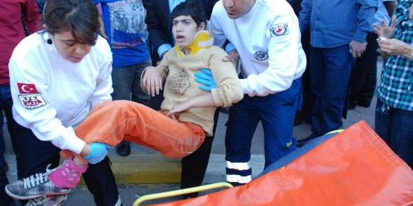 Adiyaman'da Engelli Kiz Kazada Yaralandi