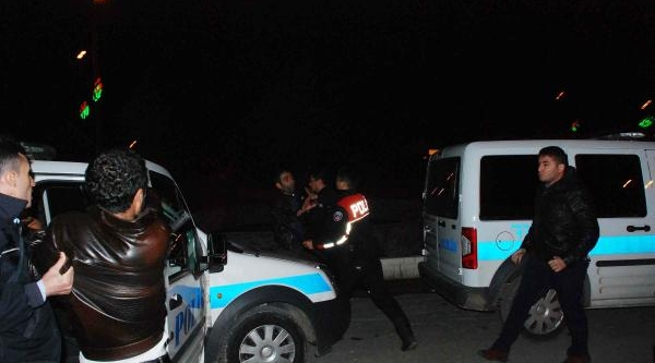 Adiyaman'da Komşu Aileler Kavga Etti: 6 Gözalti