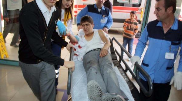 Adiyaman'da Öğrenciler Kavga Etti: 1 Yarali