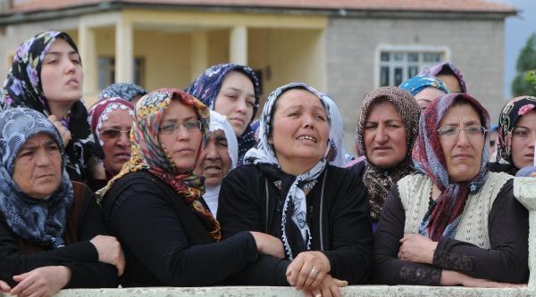 Afganistan'da Saldırıda Ölen İnşaat İşçisi Kayseri'de Toprağa Verildi (ek Fotoğraflar)