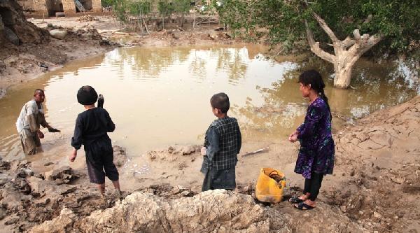 Afganistan'da Toprak Kayması... En Az 350 Ölü