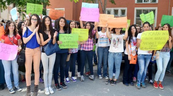 Afyonkarahisar'da Okul İsyani