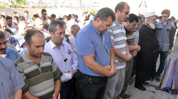 Agd'den Müslümanlara Zulme Tepki