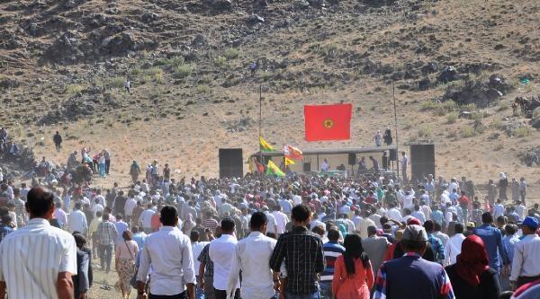 Ağrı Dağı İsyani Anmasına Pkk'lılar, Hdp'liler Ve 1000 Kişi  Katıldı