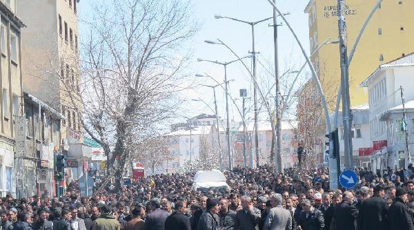 Ağrı'da Ak Parti- Bdp Çekişmesi