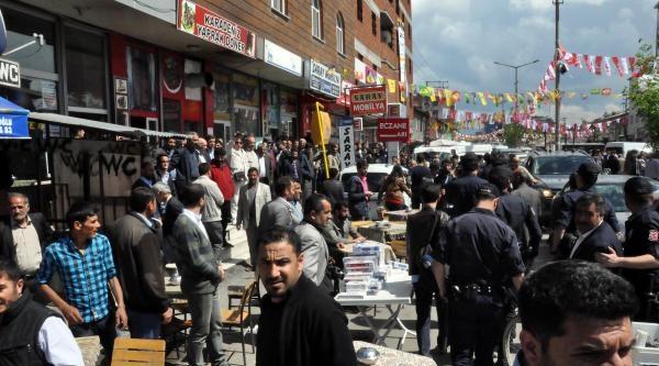 Ağrı'da Binali Yıldırım'ı Protesto Eden Bdp'lileri Sakık Sakinleştirdi
