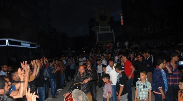 Ağrı'da Seçimi Bdp Kazandı, Kutlamalar Başladı (ek Fotoğraflar)