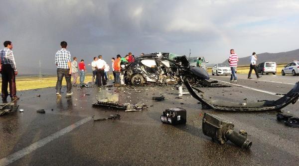 Ağrı'da Trafik Kazası: 3 Ölü, 2 Yaralı