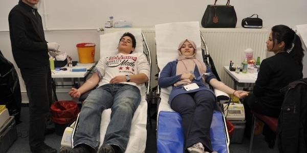 Agü'den Kizilay Haftasinda Kan Bağişi
