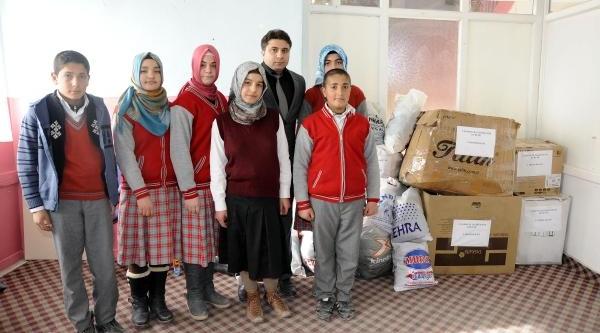 Ahlatli Öğrencilerden Suriyeli Çocuklara Yardim