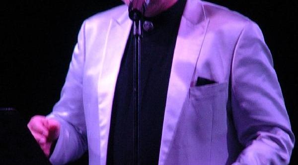 Ahmet Özhan Zonguldak'ta Konser Verdi