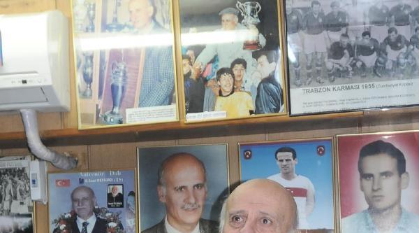 Ahmet Suat Özyazici Hastaneye Kaldırıldı