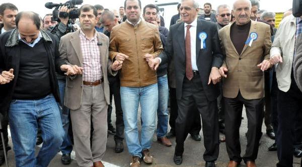 Ahmet Türk: Bu Seçimi Referandum Olarak Görmek Lazim