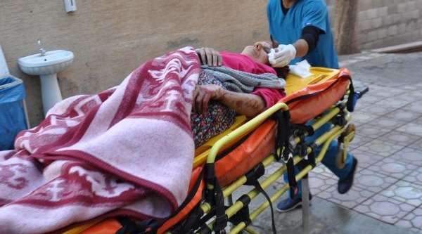 Ahşap Merdivenden Düşen Kadin Ağir Yaralandi