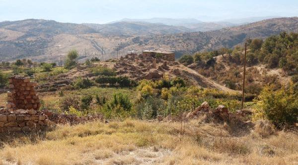 Aihm'in Türkiye'yi Mahkum Ettiği Davadaki 'ölüler', Nüfus Kaydinda 'sağ' Görünüyor