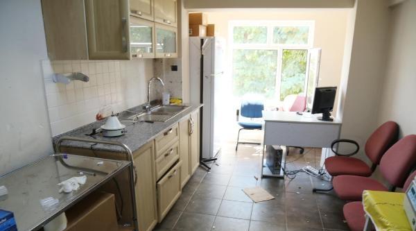 Aile Sağlık Merkezi Laboratuvarında Patlama: 3 Yaralı