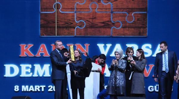 Aile Ve Sosyal Politikalar Bakanı Ayşenur İslam'in Zor Anı (fotoğraflar)