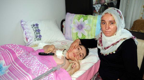 Ailesi, Kas Hastası Sefa İçin Umut Arıyor