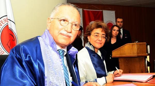 Ailesi Yozgat'lı Olan Ekmeleddin İhsanoğlu, Devlet Üstün Hizmet Madalyası Sahibi