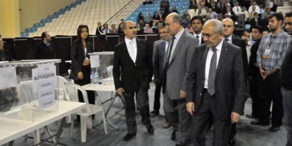 Ak Parti Adana'da Temayül Yoklamasi Yapti