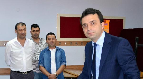 Ak Parti Antalya İl Başkanı: Chp'liler, Mavi Bilekliklerle Sandık Başlarında Baskı Oluşturuyor