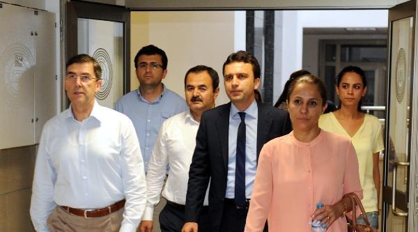 Ak Parti Antalya Milletvekilleri Adliyede