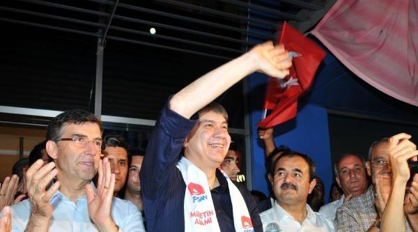 Ak Parti Antalya'da Seçim Kutlaması