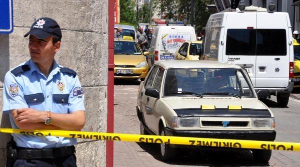 Ak Parti Binası Yakınındaki Şüpheli Araç Polisi Alarma Geçirdi