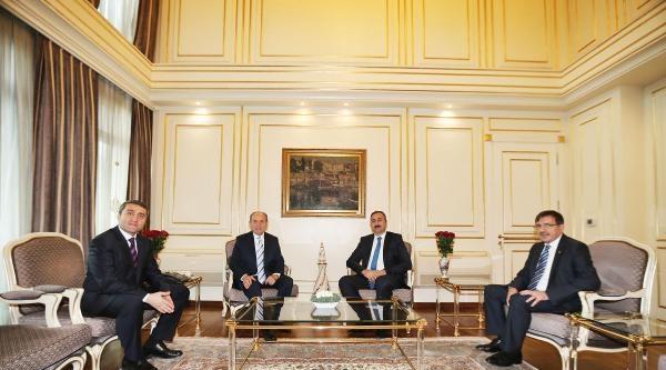 Ak Parti Genel Başkan Yardımcısı Gül, Topbaş'ı Ziyaret Etti