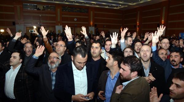 Ak Parti İl Merkezi'nde Sevinç Gösterileri
