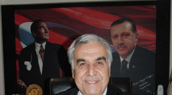 Ak Parti İzmir İl Başkanı Akay Ve Yönetimin İstifasi İstendi